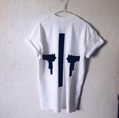 top,black,t-shirt,style,shirt,fashion,gun,short sleeve,unisex,unisex clothes,unisex tshirts,unisex t shirt