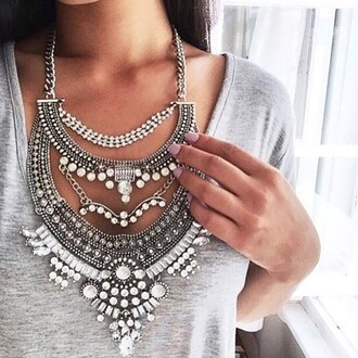 jewels t-shirt silver gold big necklace pearl diamonds necklace statement necklace teenagers