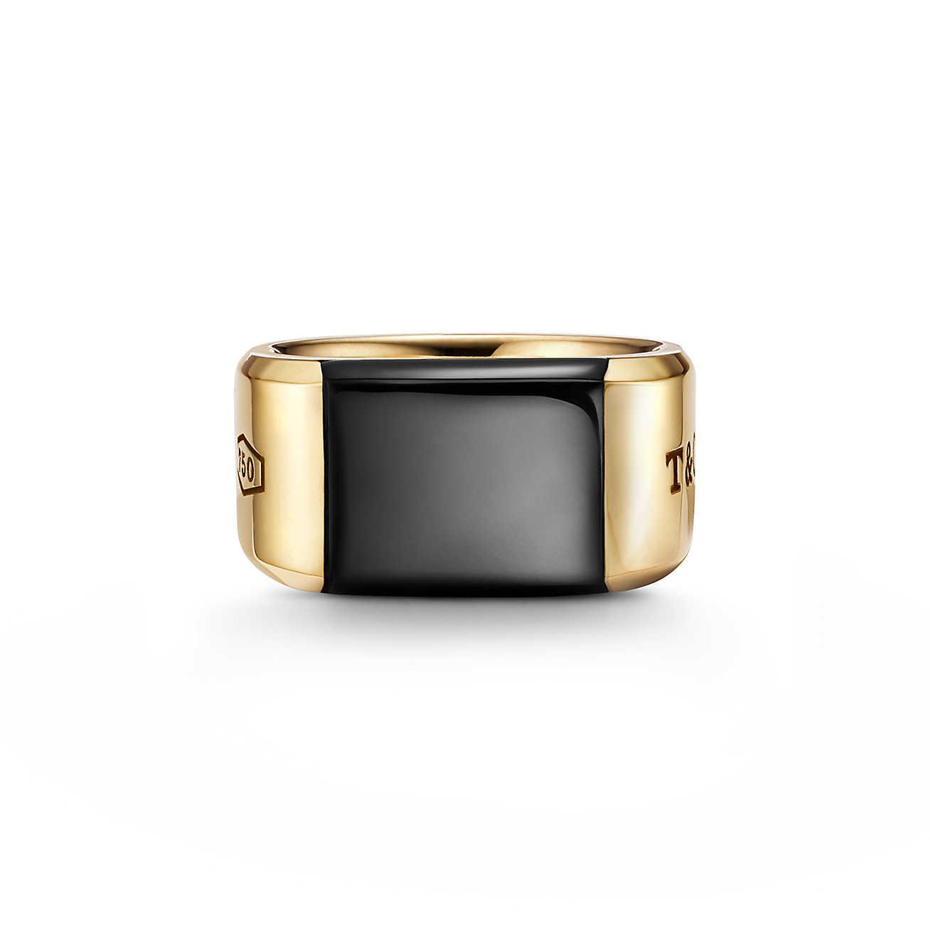 Tiffany 1837® Makers black onyx signet ring in 18k gold, 12 mm wide - Size 6