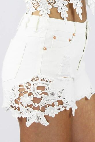 www.ustrendy.com white denim white shorts cutoff shorts laced shorts crochet lace white crochet lace