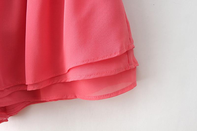 Red elastic waist chiffon shorts