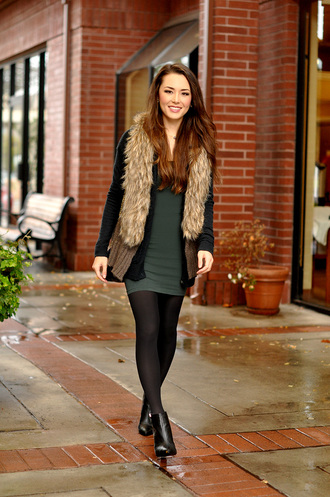 hapa time blogger cardigan bodycon dress winter outfits
