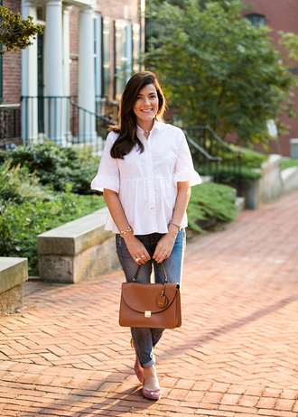 classy girls with pearls blogger cardigan shirt jeans bag shoes jewels brown bag white shirt pumps