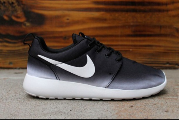 shoes roshes black and white ombre nike wheretoget
