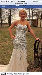 dress,crystal dresses,nude dress,sparlkly,long prom dress,strapless dress,mermaid prom dress