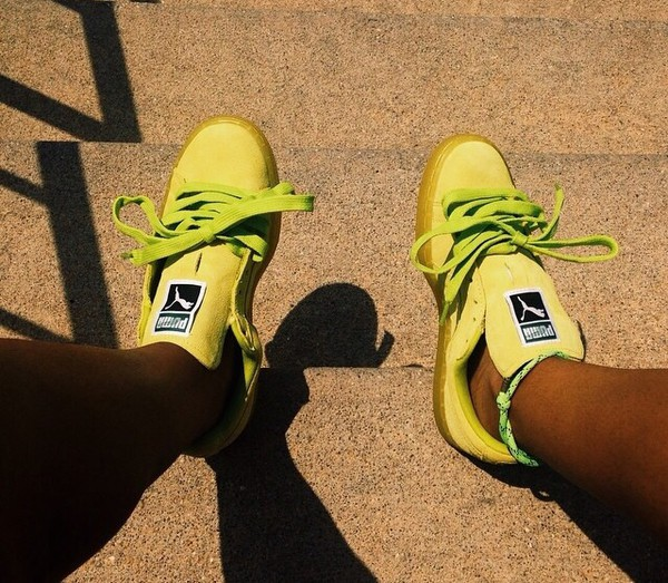 how to get highlighter out of shoes