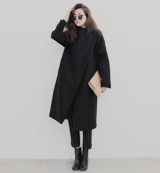 boyish cropped pants black coat minimalist