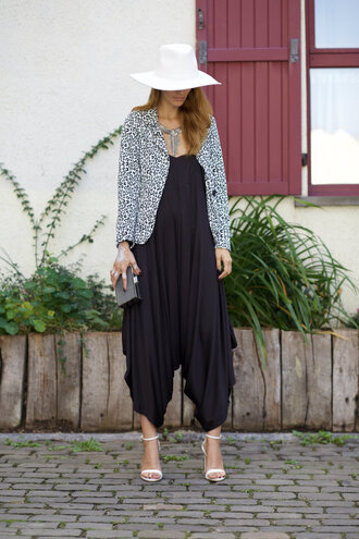 from brussels with love blogger jumpsuit jacket bag shoes