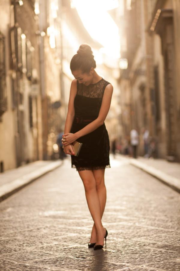 wendy's lookbook dress shoes bag belt jewels lace little black dress high heels