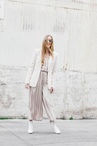 eat sleep wear blogger jumpsuit jacket sunglasses shoes blazer ankle boots spring outfits