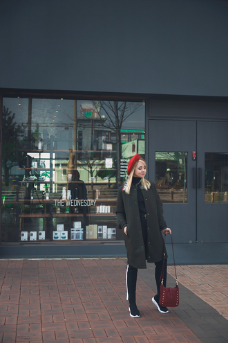 my blonde gal blogger coat bag socks shoes belt pants beret shoulder bag black pants