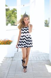 te cuento mis trucos,blogger,romper,chevron,bow shoes,big pattern