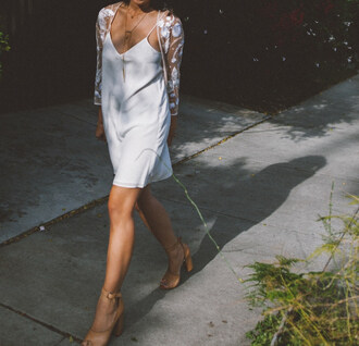honey n silk blogger jacket tank top dress bag shoes jewels cardigan slip dress white