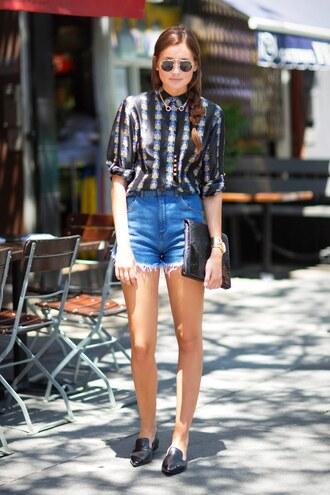 shorts black printed shirt distressed denim shorts black flats blogger sunglasses black handbag