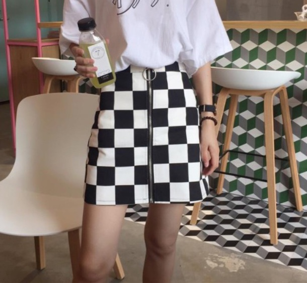 e58ed8dce2 GRUNGE BLACK WHITE CHECKERED GRID FRONT ZIPPER LOLITA SKIRT ulzzang ring  Harajuku Zip chequered pleated plaid mini pencil women-in Skirts from  Women's …