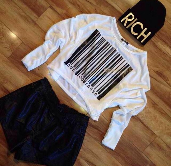 sweater white white sweater black hat shorts t-shirt