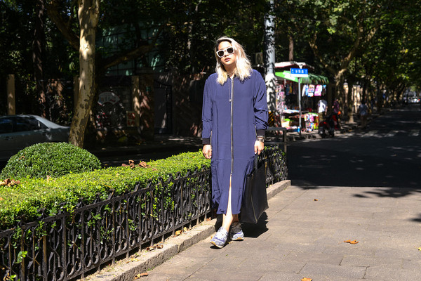 superwowomg blogger jacket bag sunglasses
