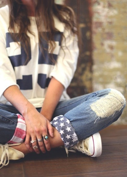 jeans sweater blue red white flag america stars american football flags patriotic ripped rip usa capris converse jewelry american flags boyfriend jeans cuffed ripped jeans swag clothes american apparel pants us flag