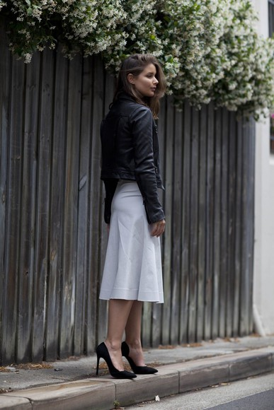 top black heels blogger harper & harley midi skirt