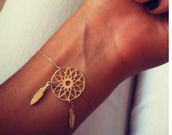 jewels,necklace,jewelry,gold,gold jewelry,bracelets,gold bracelet,dreamcatcher,dreamcatcher bracelet,boho,boho jewelry,bohemian