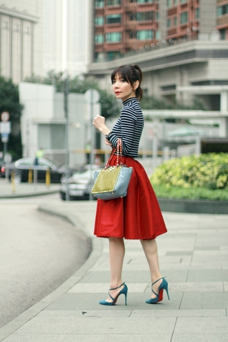 mochaccinoland blogger top bag red stilettos christian louboutin retro circle skirt midi skirt