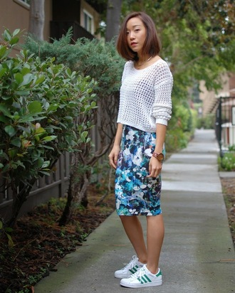 blogger print pencil skirt monkeyshines knitted sweater adidas shoes