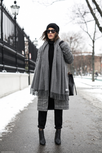 viennawedekind blogger coat sweater pants bag hat sunglasses scarf shoes winter outfits ankle boots grey coat bucket bag