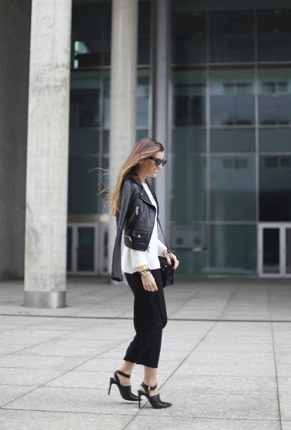 b a r t a b a c blogger cropped pants black pants black heels leather jacket
