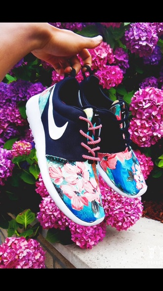 shoes navy floral nike nike free run