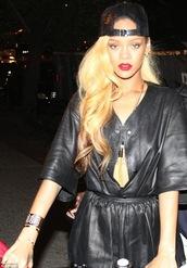 pants,rihanna,cuir,noir,black,bijoux,bracelets,hat,jacket