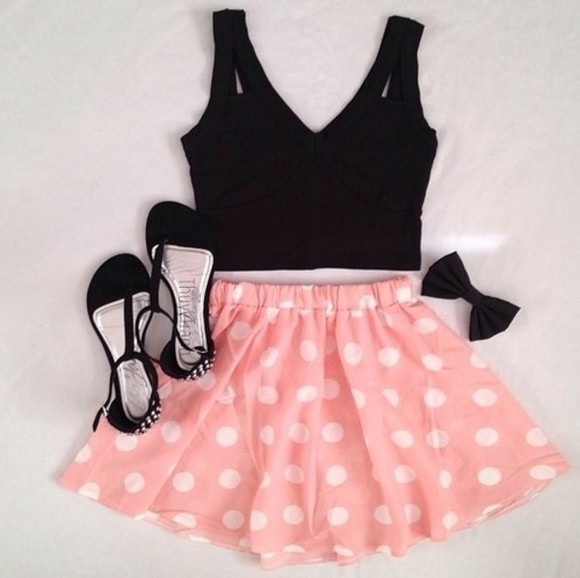 skirt pink polka dots pink and white polka dot skirt fashion short blouse top crop tops minnie mouse black top black heels shoes
