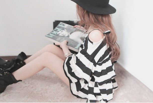 dress stipes black white short dress cute dress black and white white dress black dress cute girl kfashion fashion black and white stripes black and white striped dress korean fashion korean fashion