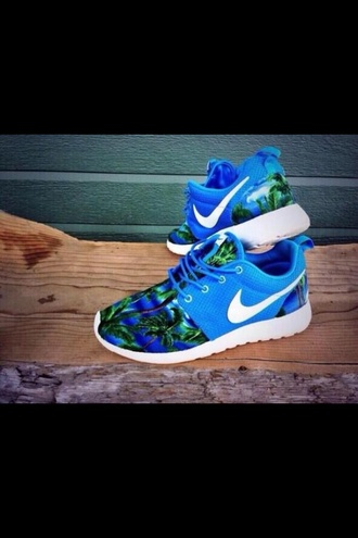 shoes nike roshe run nike nike roshe run palm trees blue green plan tree nike roshe blue roshes palm tree print trainers running shoes orange pattern nike running shoes hawaiian roshe runs nikes neon tropical floral sneakers athletic bright swoosh nike blue palm trees palm tree nike shoes blue and green