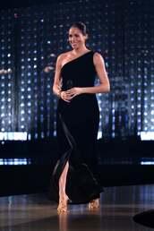 shoes,meghan markle,celebrity,velvet,velvet dress,one shoulder dress,sandal heels,gold sandals