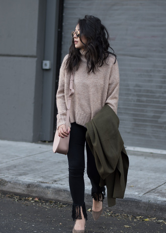 the fancy pants report blogger sweater coat bag shoes sunglasses beige sweater shoulder bag green coat high heel pumps tumblr denim jeans black jeans frayed denim frayed jeans pumps pointed toe pumps pink bag