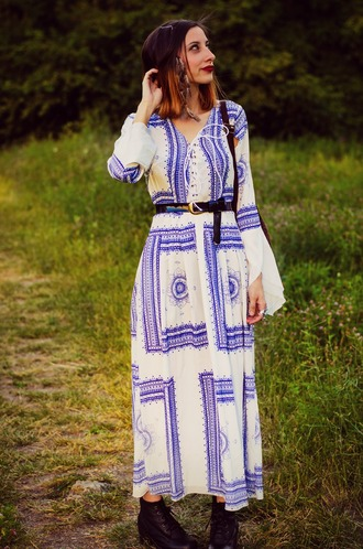 beauty insanity blogger dress maxi dress long sleeve dress blue and white