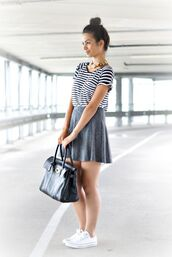skirt,bun,top knot bun,t-shirt,striped t-shirt,skater skirt,grey skirt,black bag,bag,sneakers,white sneakers