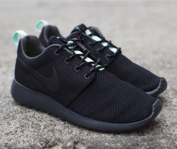 Nike Womens Roshe Run - Black - Arctic Green - SneakerNews.com