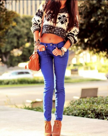 brunette jeans sweater bag long hair christmas jumper christmas jumper, black and white shoes jewels watch short sweater tucked