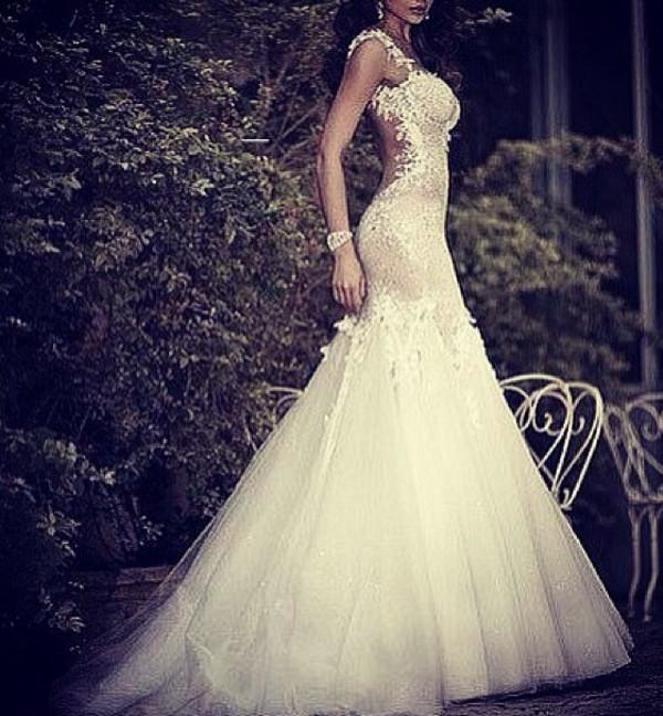 Невеста в платье рыбка