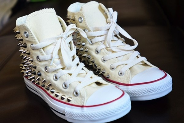 shoes studded converses