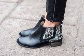 shoes black low boots snake print