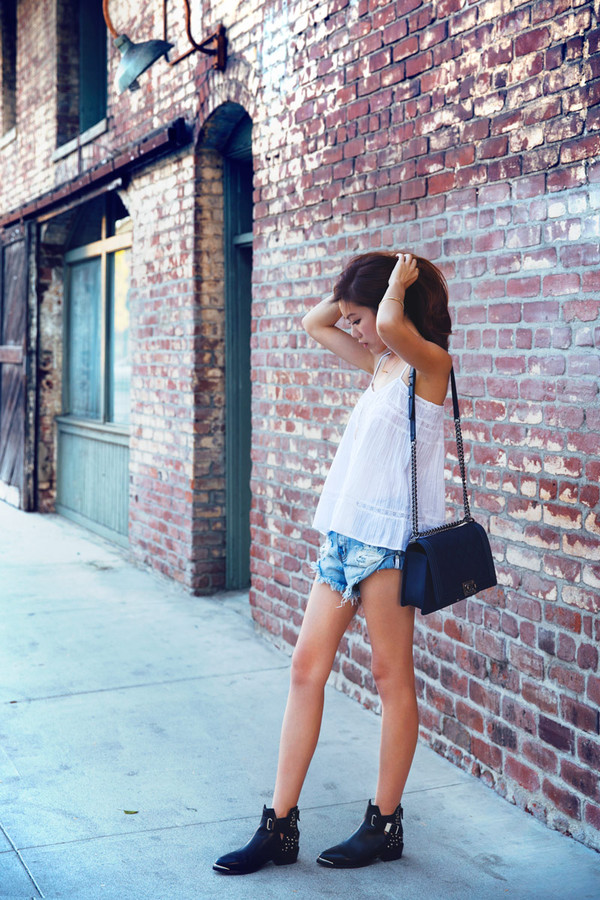 tsangtastic blogger top shoes bag shorts
