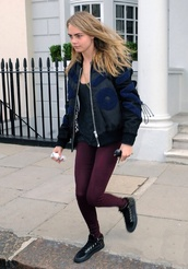 jeans,cara delevingne,delevigne,red,red jeans,burdeo,want them,coat