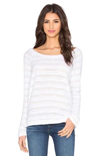 pullover oversized white