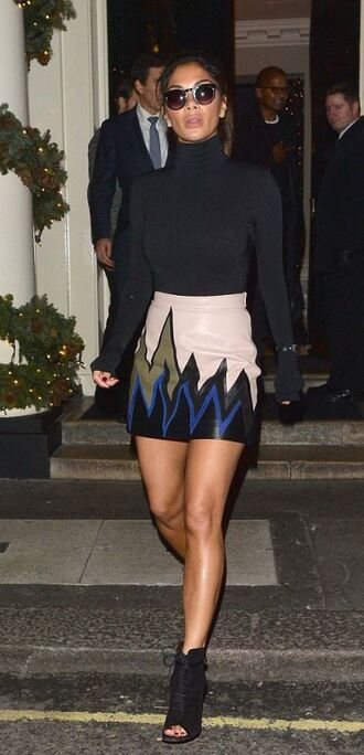 skirt leather leather skirt fall outfits fall skirt nicole scherzinger booties turtleneck top emilio pucci