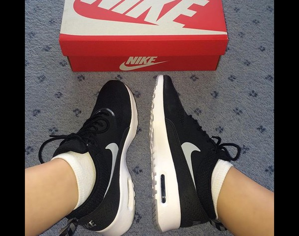 hot sale online 9cfeb 258aa ... Nike Sportswear AIR MAX THEA - Sneaker - black wolf grey white - Zalando  ...