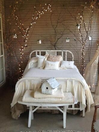 pillow bedding lamp home decor off-white holiday season cozy holiday home decor