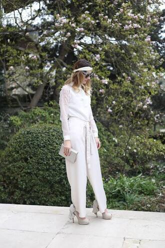 from brussels with love blogger blouse pants shoes bag spring outfits headband white blouse clutch high heel pumps