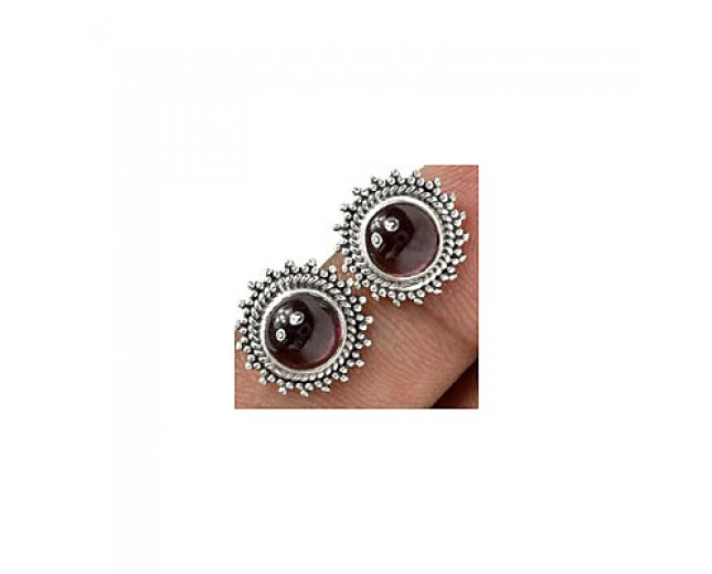 Unique 925 sterling silver Gemstone Garnet Stud